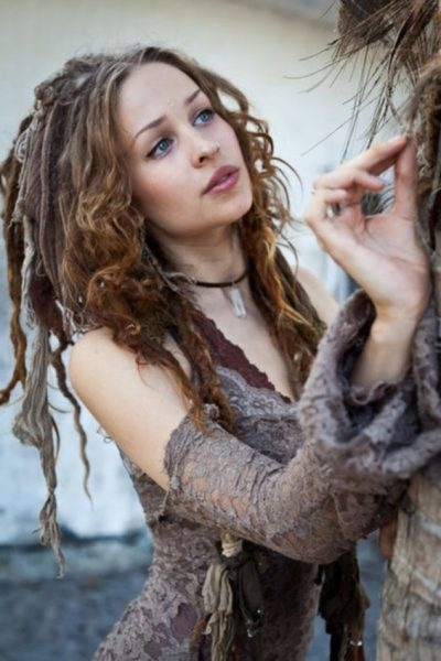 dreadlock styles for girls | aelida|dreadlocks styles for white women|Awesome as well as proper dreadlocks styles for white women for Dream Is Compatible with Anyone who wants to be the Best